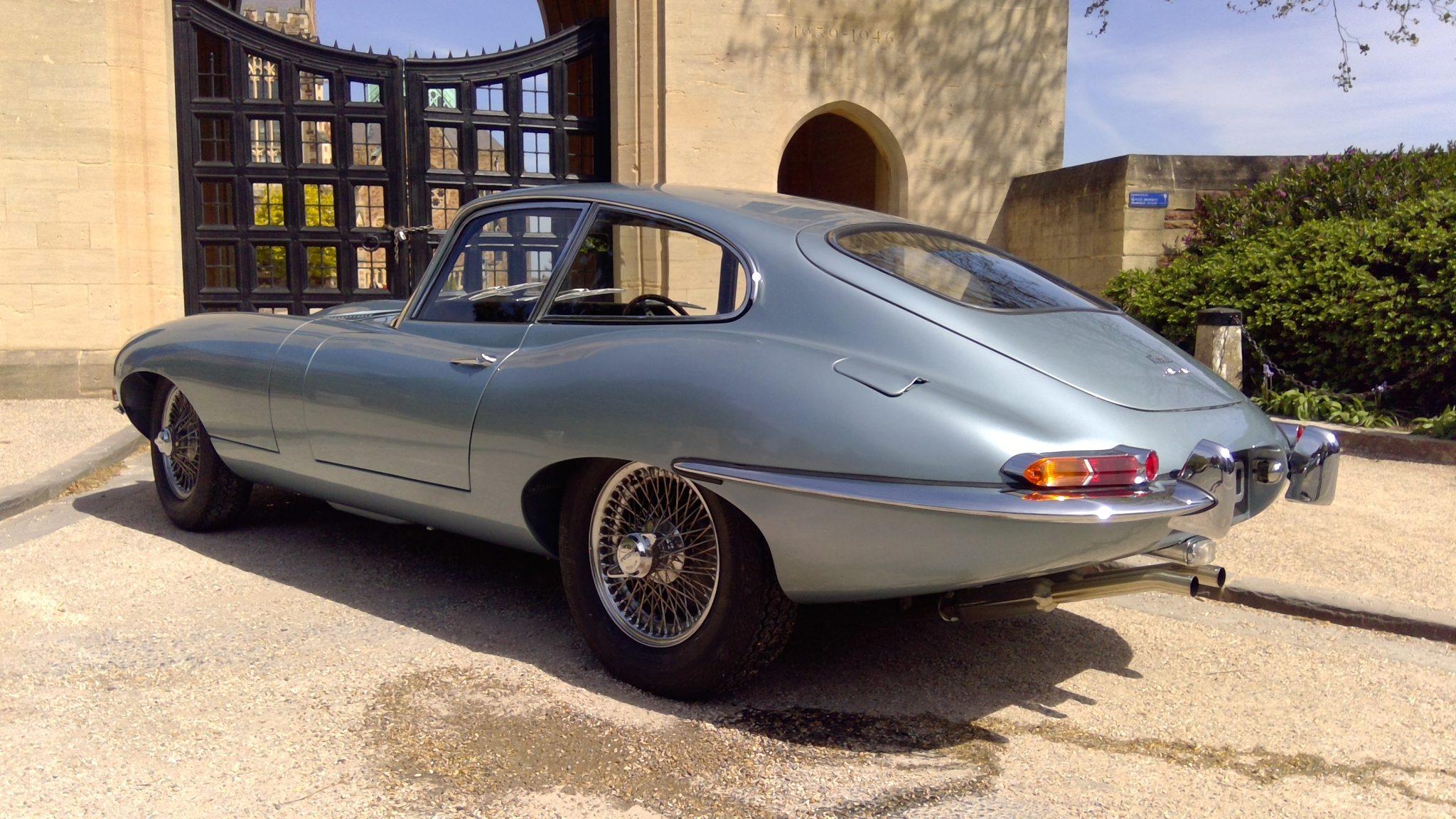 Jaguar E Type Series 1 1966 FHC 4.2